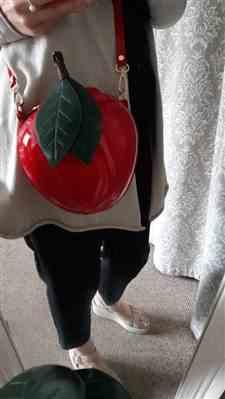 Boots N Bags Heaven Red Apple Purse- Apple Shaped Purse Review