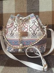 Mariana Correia verified customer review of Bohemian Drawstring Bucket Bag