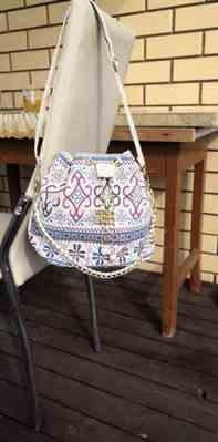 O***a verified customer review of Bohemian Drawstring Bucket Bag