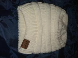 Susan R. Lundy verified customer review of Ponytail Messy Bun Beanie Knitted Winter Hat - BNB Beanietail