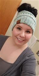 Julie Hague verified customer review of Ponytail Messy Bun Beanie Knitted Winter Hat - BNB Heaven Beanietail