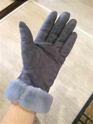 K***a verified customer review of 2019 Plush Winter Gloves