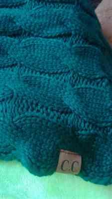 T***o verified customer review of Knitted Infinity Scarf