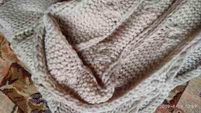Y***K verified customer review of Knitted Infinity Scarf