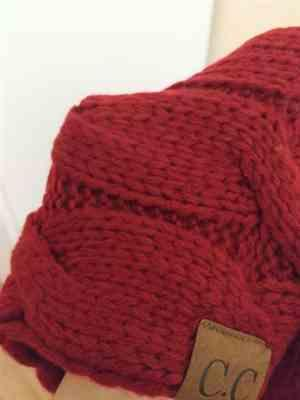 N***F verified customer review of Knitted Infinity Scarf