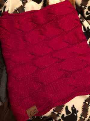K*** verified customer review of Knitted Infinity Scarf