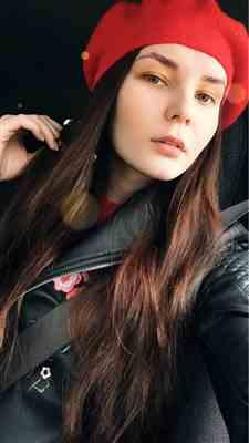 D***a verified customer review of Winter Colorful Wool French Beret Hat