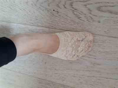 S***e verified customer review of Floral Lace Ankle Socks