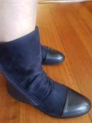 Boots N Bags Heaven Women Faux Suede Leather Mid-Calf Boots Review