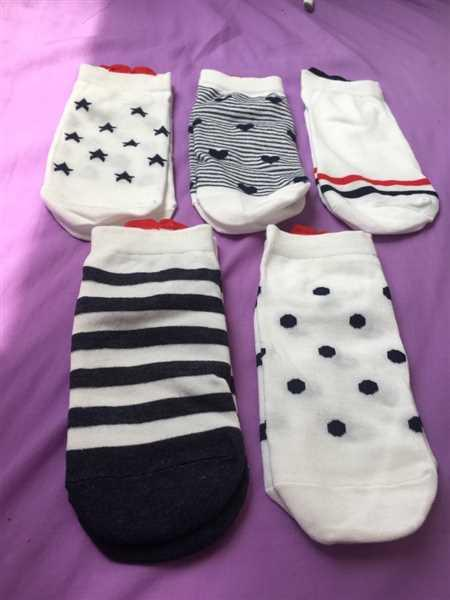 J***a verified customer review of 5 Pairs Cute Colorful Red Heart Ankle Socks