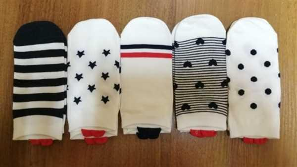 O***a verified customer review of 5 Pairs Cute Colorful Red Heart Ankle Socks