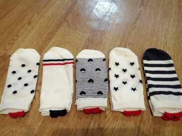 P***r verified customer review of 5 Pairs Cute Colorful Red Heart Ankle Socks