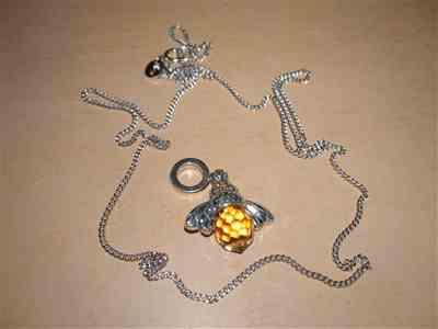 Boots N Bags Heaven Stunning and Elegant Bee Necklace Pendant Review