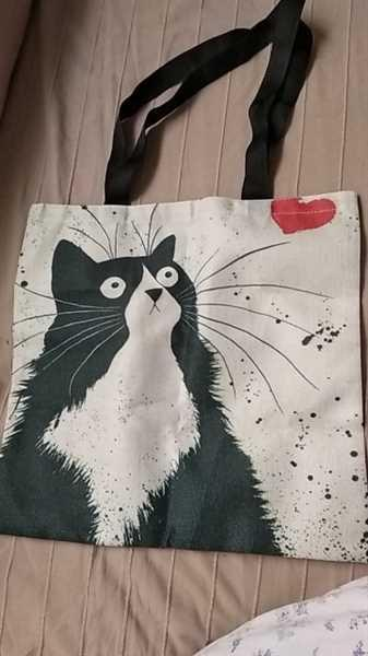 J***r verified customer review of Cat Print Linen Tote Bag
