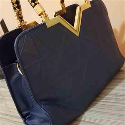 Boots N Bags Heaven Gorgeous Shiny Leather Flap Handbag Review