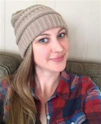 Angela Clark verified customer review of Messy Bun Beanie Knitted Hat Winter Ponytail Beanie with ponytail hole