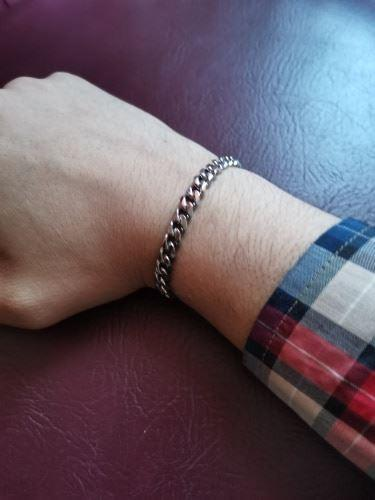 Galaxy Teez High-Fashion Stainless Steel Curb Chain Bracelet Review