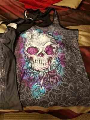 E***a verified customer review of Purple Skull Women Tank Top