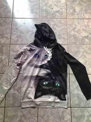 L***e verified customer review of Long Sleeve Yin Yang Cat Hoodie Cool Crazy Pattern 3D Painted Cat Sweatshirt