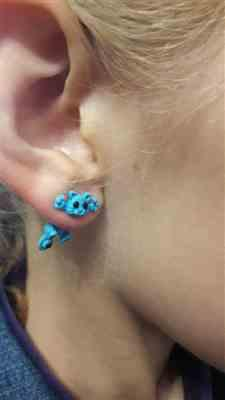 V***A verified customer review of Cute Cat Stud Earrings