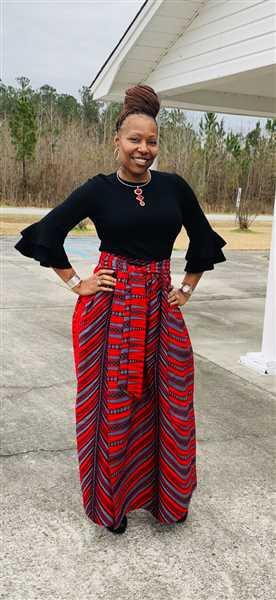 Tereska Ravenell verified customer review of Cyrah African Print Maxi Skirt with Sash (Red/Grey Stripes)- Clearance
