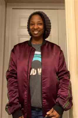 Darlita Young verified customer review of Dara Unisex Dashiki Bomber Jacket (Maroon)