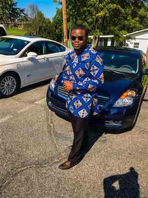 Clarence Brownell  verified customer review of Jafari Men's African Print Long Sleeve Traditional Shirt (Blue Tan Diamonds)