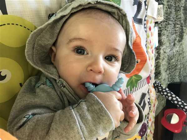 Jessica verified customer review of The Molar Magician - Baby Blue