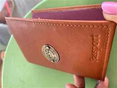 Iman Asin verified customer review of Santa Fe Passport Case