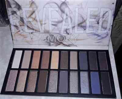 CLGFrye verified customer review of Revealed 3 Eyeshadow Palette