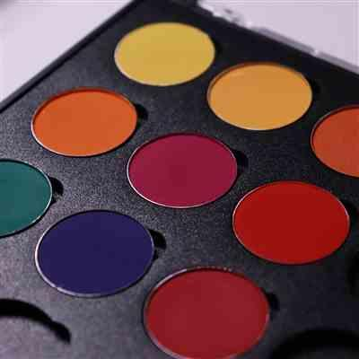 Marte Kleppe Likvern verified customer review of Empty Palette: 28 Shadows