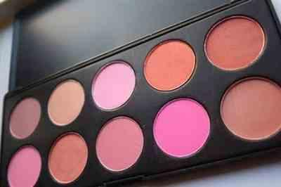 Monica Esquerre verified customer review of 10 Color Blush Palette