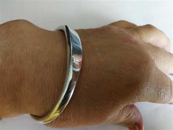 SilverWow Heavy ID Torque Bangle 10 mm Review