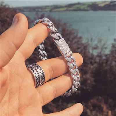Slurges verified customer review of 12mm LFY ICED Cuban Bracelet in White Gold