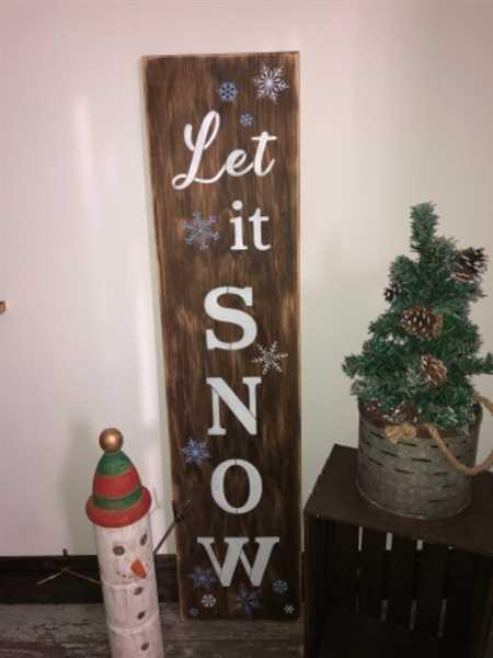 Sandy Gensler verified customer review of Let it Snow Vertical Christmas Stencil