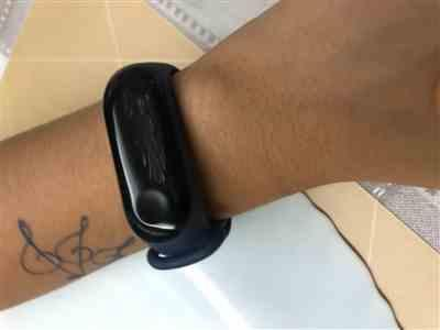 Manish V. verified customer review of Huawei Honor Band 5 (Global Version)