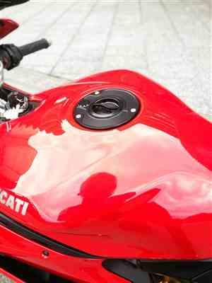 Li Wei Chen  verified customer review of Ducati Panigale 1199 / MV Agusta F4 Fuel Cap Quick Release