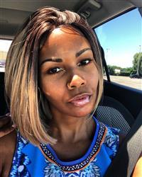 Joslyn D. verified customer review of Bobbi Boss Lyna Sleek MLF 217 Synthetic Lace Front Wig