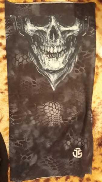 TrendyVibes.CO Seamless Skull Face Protector Neck Gaiter Review
