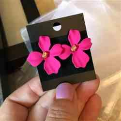 Erin Sun verified customer review of Summer Bloom Floral Earrings