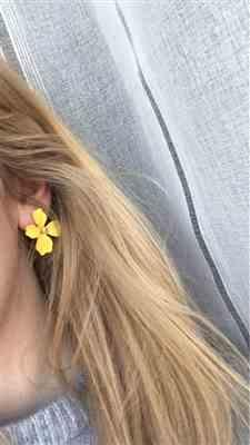 Michelle Boyce verified customer review of Summer Bloom Floral Earrings