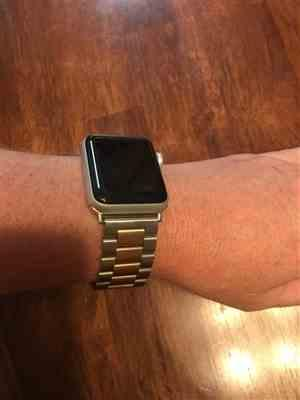 Anonymous verified customer review of Two-Toned Stainless Steel Apple Watch Band