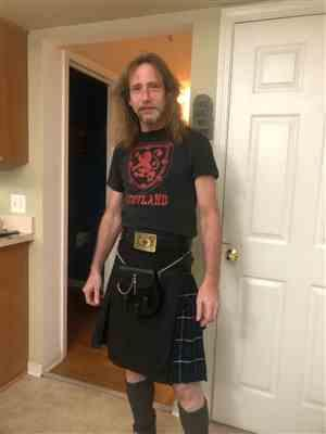 James Davis verified customer review of Black & Blue Douglas Two Tone Hybird Kilt