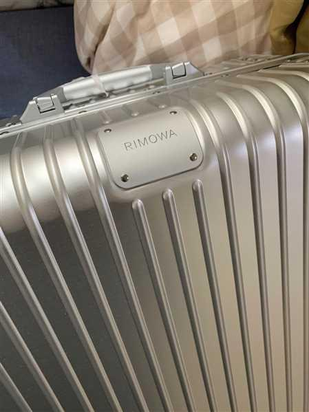 Liujiang Jiang verified customer review of RIMOWA Original 日默瓦 平行進口
