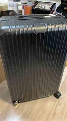 cheok hou lau verified customer review of RIMOWA Essential 日默瓦 平行進口