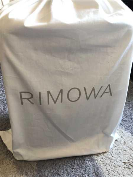 Janeen Mikee Calinisan verified customer review of RIMOWA Essential Lite 日默瓦 平行進口