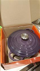 Edward C. verified customer review of Le Creuset 鑄鐵鍋 藍 Marseille (20cm/24cm/26cm)