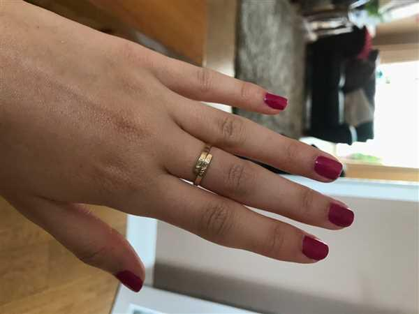 Raniska SONYA Personalized Dainty Hug Ring Review