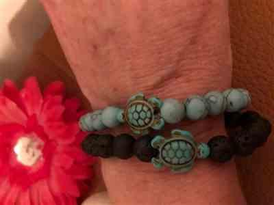 Wendolyn Lyng verified customer review of LIMITED EDITION - Pink Sea Turtle Bracelet