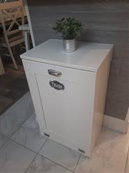 Doris verified customer review of single tilt out trash bin in white-more colors! (S-W)